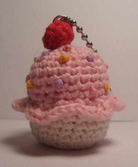 Kawaii Amigurumi Cupcake Keychain : Nerdigurumi - Free Amigurumi Crochet Patterns with love ...